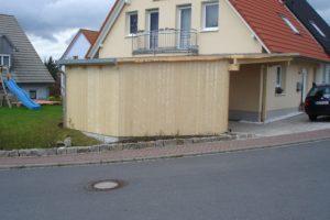 neues Haus mit Carport